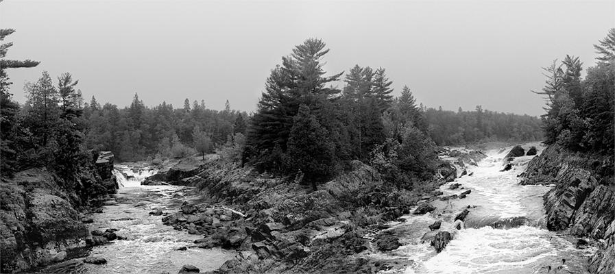 http://andrewthomasevans.me/blacknwhite/jay-cooke-state-park-minnesota-duluth-north-shore.jpg